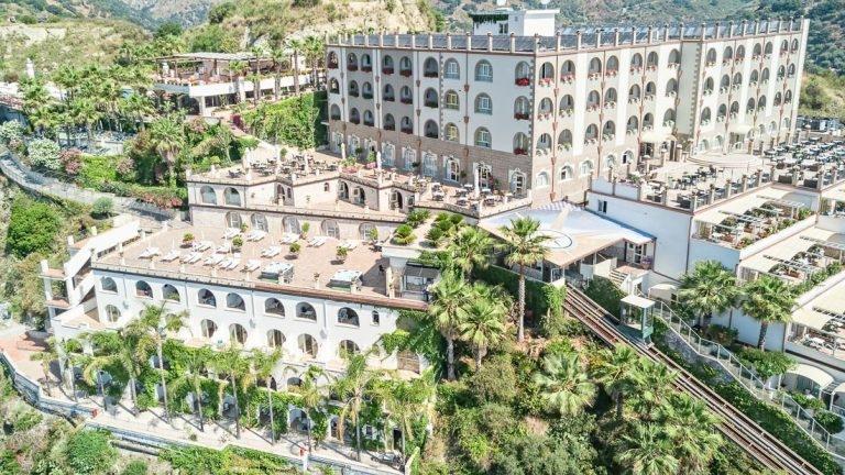 Hotel Antares****  Speciale 1-14 Agosto Soggiorni Brevi